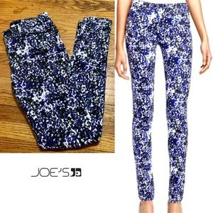 Purple, Black and White Floral Joes Skinny Jeans